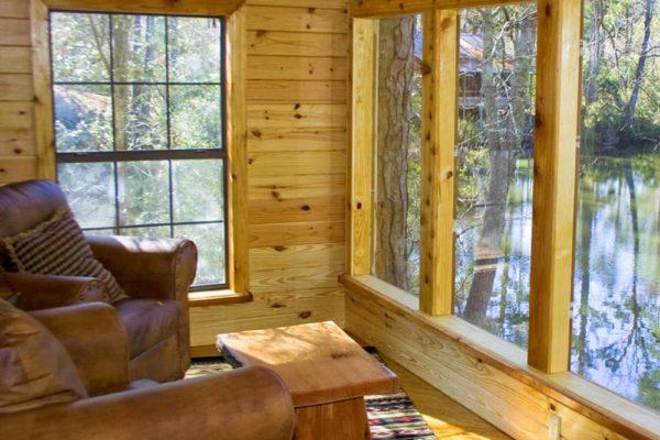 William B. Travis - 3 Bedroom 3 Bath with Loft Log Cabin