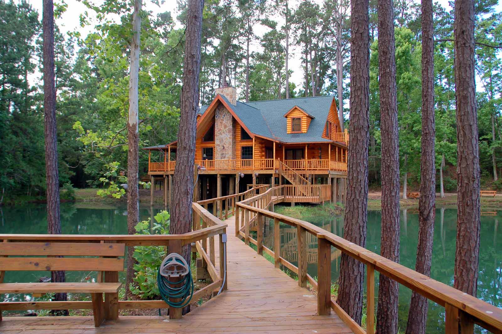 Big easy the retreat at artesian lakes for Log cabin retreat