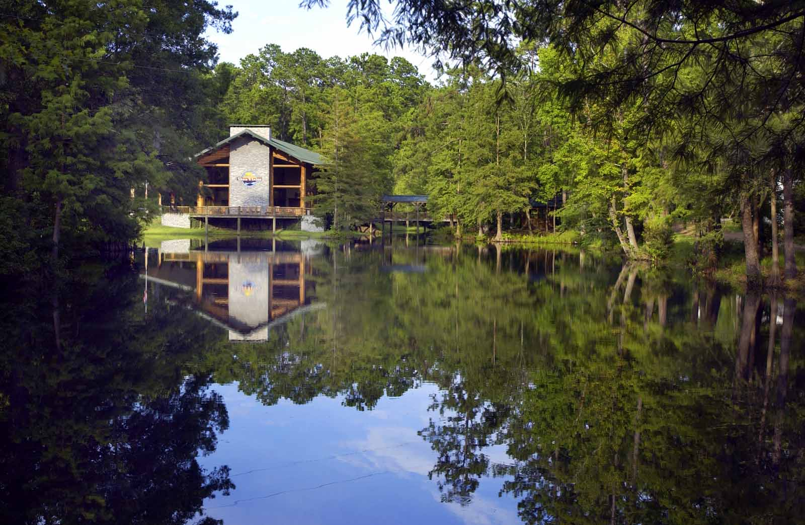 The Retreat At Artesian Lakes U2013 Log Cabin Rentals On The Lake, Houston Area Cabin  Rentals