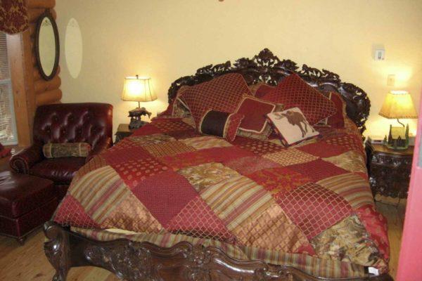 Zoller Point - 4 Bedroom 3 Bath Log Home