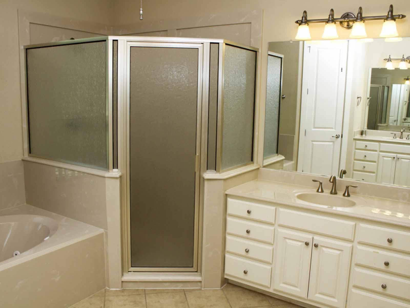 Lakehouse - 3 Bedroom 3 Bath