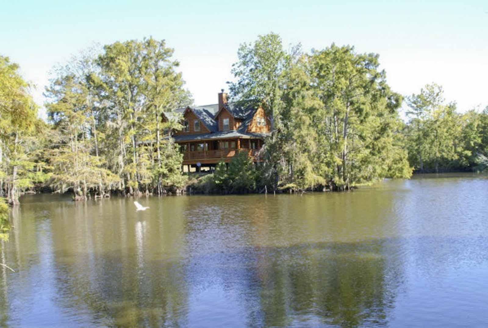 Zoller Point - 4 Bedroom 3 Bath Log Home