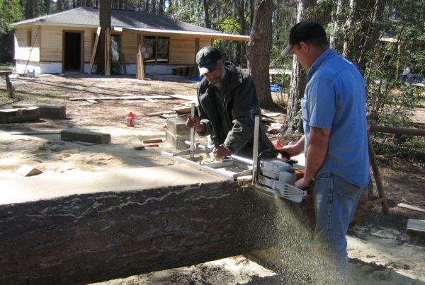 cutting-pine-slabs
